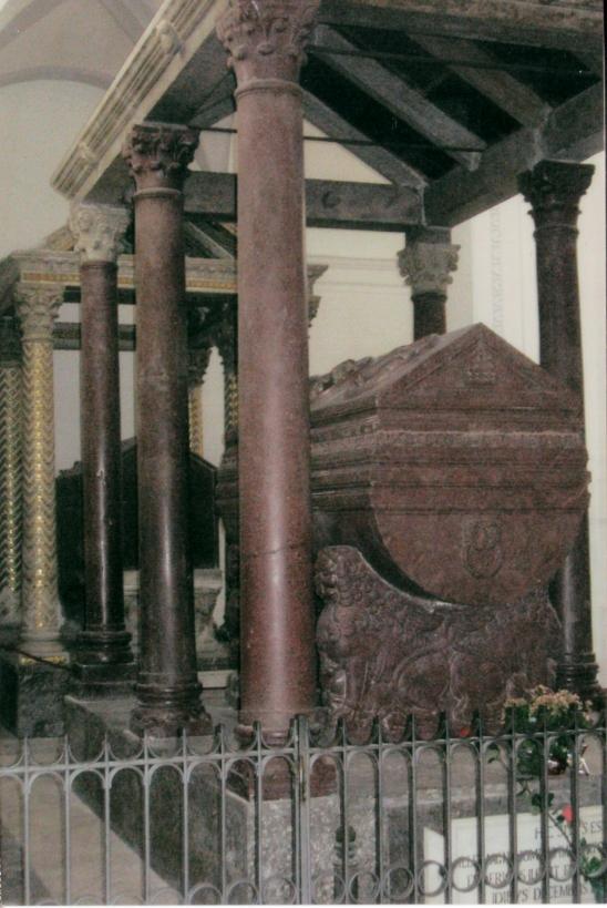 Federico II  Tomba